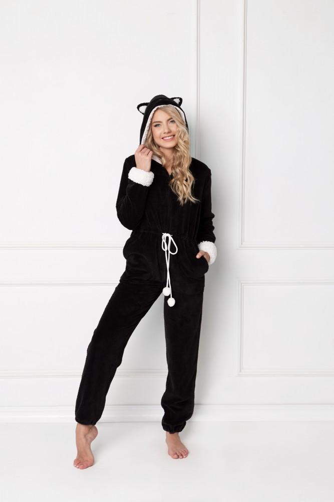 Pijamale intregi tip combinezon Catwoman