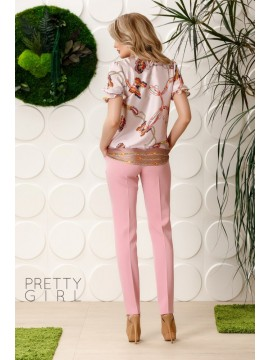 Bluza roze cu guler si model  fluturi